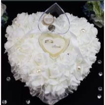 Esküvői gyűrű tartó