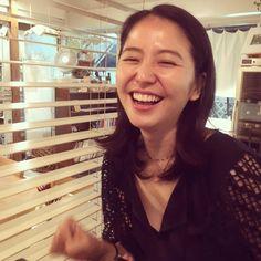 "mei_kurokawa on Instagram: ""久々だけど変わらない笑顔に癒された♡ #長澤まさみ #cafe #friend"""