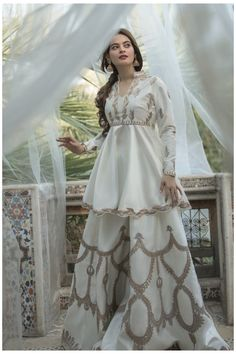 Pakistani Party Wear Dresses, Beautiful Pakistani Dresses, Shadi Dresses, Pakistani Wedding Outfits, Designer Party Wear Dresses, Indian Gowns Dresses, Pakistani Bridal Dresses, Indian Fashion Dresses, Dress Indian Style