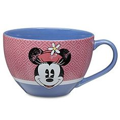Sip with a smile using Disney drinkware like cups, mugs, travel mugs, and water bottles. Mickey and Minnie Mouse, Disney Princess and more add character style. Disney Coffee Mugs, Cute Coffee Mugs, Cute Mugs, Coffee Cups, Walt Disney, Disney Home, Disney Dream, Disney Mickey, Minnie Mouse Purse