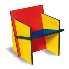 Bauhaus style elements include clean lines, bold colors, asymmetric geometric shapes, seen in this piece. Bauhaus Chair, Bauhaus Furniture, Modular Furniture, Memphis Furniture, Kids Furniture, Furniture Design, Design Bauhaus, Bauhaus Style, Baby Chair