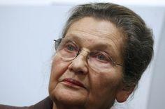 Paris — Femme politique populaire et humaniste, rescapée de la Shoah devenue ministre, présidente du Parlement européen et membre du Conseil constitutionnel, Simone Veil sera la sixième femme à entrer à l'Académie française.