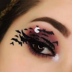 Halloween makeup - The Halloween is coming! Have a question that use at parties? Check out these ideas for Halloween makeup for now copy! Bat Makeup, Halloween Eye Makeup, Crazy Makeup, Pretty Makeup, Makeup Art, Skull Makeup, Costume Makeup, Awesome Makeup, Contour Makeup