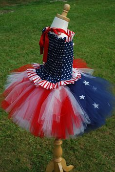 eeep i can dream right? i really need to start sewing. Custom over the top patriotic stars and stripes Daddys homecoming or pageant corset and tutu set. 6 7 8 tween girls sizes. $95.00, via Etsy.