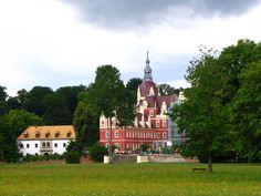 Muskauer Park / Park Mużakowski, Germany and Poland. Inscription in 2004. Criteria: (i)(iv)