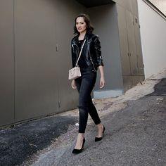 Back in Black    #ootd #outfitoftheday #portugalfashion #lookoftheday #fashion #fashiongram #style  #currentlywearing #lookbook #wiwt #whatiwore #whatiworetoday #ootdshare #outfit #clothes #wiw #mylook #fashionista #todayimwearing #instastyle  #instafashion #outfitpost #fashionpost #todaysoutfit #fashiondiaries #michaelkors #mango    #Regram via @umblogfashion