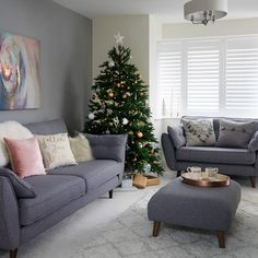 Pale grey living room with winter white textures. After festive living room ideas? This pale grey scheme is brought to life with a simple Christmas tree and snow white accessories. Decor To view further for this article, visit the image link. Simple Living Room Decor, Design Living Room, Living Room Color Schemes, Living Room Sofa, Living Room Interior, Grey Living Room With Color, Living Room With Carpet, Grey Living Rooms, Studio Living