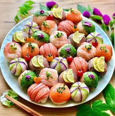 Sushi Recipes, Asian Recipes, Jun Recipe, Temari Sushi, Sushi Go, Japanese Food Sushi, Sushi Platter, Cooking Photos, Brunch Buffet