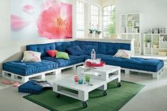 palette sofa and table