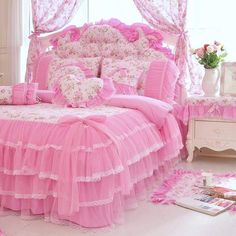 Floral Bedding Anthropologie - Kids Bedding Black And White - White Rustic Bedding - Luxury Bedding With Storage - Bedding Design In India - Blush Pink Bedroom, Pink Bedding Set, Pink Bedrooms, Shabby Chic Bedrooms, Bedding Sets, Chic Bedding, Floral Bedding, Neutral Bedding, Rustic Bedding