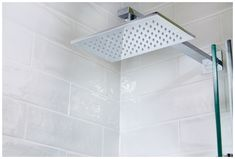 Rectangle shower head from Utopia Bathrooms Contemporary Bathroom Furniture, Contemporary Bathroom Designs, Minimalist Showers, Minimalist Bathroom Design, Bathroom Taps, Bathrooms, Shower Kits, Shower Valve, Shower Heads
