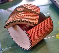 How to make elliptical boxes on a laser cutter.