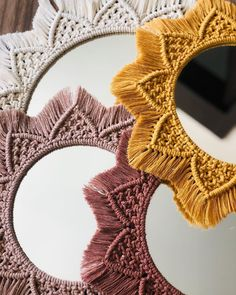 Macrame Projects, Diy Projects, Macrame Mirror, Bohemian Interior Design, Macrame Design, Maker, Macrame Patterns, Diy Crochet, Mesh Wreaths