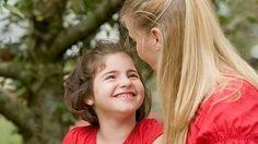 Si los padres le transmiten a sus hijos que son valiosos y merecedores de amor, los niños crecerán teniendo un concepto muy positivo de ellos mismos