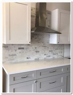 You Need To Know White Shaker Kitchen Cabinets Farmhouse Subway Tile Backsplash 8 Kitchen Ikea, Kitchen And Bath, Kitchen Decor, 10x10 Kitchen, Kitchen Layout, Rustic Kitchen, Walnut Kitchen, Summer Kitchen, Kitchen Hacks