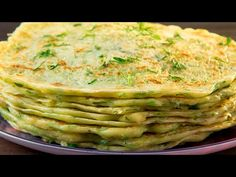 Zucchini pancakes are the perfect snack on hot summer days! Breakfast Pizza, Vegan Breakfast Recipes, Breakfast Casserole, Vegan Recipes, Cooking Recipes, Crepes, Zucchini Pancakes, Overnight French Toast, Crepe Recipes