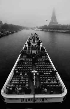 Paris on a Budget: Getting around -bikes, boats, and walks   Find more France tips at my A Beautiful Journey blog