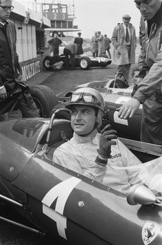 Ludovico Scarfiotti (ITA) (Scuderia Ferrari), Ferrari 156 - Ferrari 178 1.5 V6, #4, (finished 6th), Dutch Grand Prix, Circuit Zandvoort, 1963.