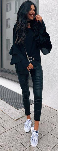 stylish look__blouse + black skinnies + sneakers