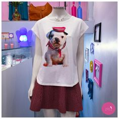 A t-shirt de dog chegou e já causou paixões por aqui e com essa saia de tricot/alta/godê fez um look fofo e cheio de graça! #vemprazas