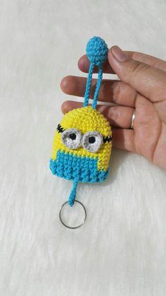 Crochet Mug Cozy, Cute Crochet, Crochet Crafts, Crochet Projects, Crochet Dolls Free Patterns, Crochet Flower Patterns, Baby Knitting Patterns, Crochet Pencil Case, Plastic Bag Crochet