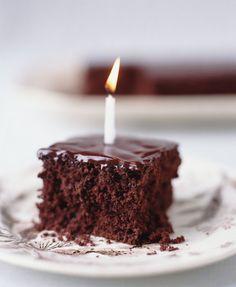 Vegan Low-Fat Chocolate Applesauce Cake
