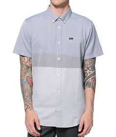 Easily look your best for any occasion with a color blocked blue and grey chambray design in a slim fit and a classic left chest pocket. Zumiez Mens size L