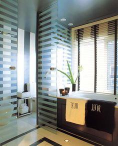 Baño con elementos en paralelo