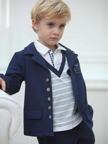Shop Tutto Piccolo Kids Clothes from Spain with a Strong Tradition in CHildren's Fashion for Baby, Girls & Boys. Spain Fashion, Modern Kids, Little Boys, Winter Fashion, Couture, Snails, Bird Feathers, Formal, My Style
