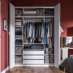 68 Ideas For Bedroom Small Wardrobe Storage 4 Door Wardrobe, Wardrobe Drawers, White Wardrobe, Small Wardrobe, Wardrobe Storage, Closet Storage, Perfect Wardrobe, Bedroom Storage, Build In Wardrobe