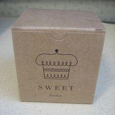 sweet cupcakes packaging.
