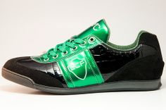 Elche shoe model in black Guy Pictures, Asics, Woman, Sneakers, Model, Shoes, Black, Fashion, Custom Shoes