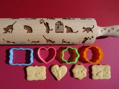 Make beautiful embossed cookies with this rolling pin -- cats pattern. Handmade finish.