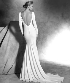 If you are a fan of simple elegance, you will love this Pronovias bridal collection to the core. Pronovias bridal collection always takes our breath away, and this Atelier collection… Bridal Dresses Online, 2016 Wedding Dresses, Wedding Dress Shopping, Bridal Gowns, Wedding Gowns, Blush Bridal, Dresses 2016, Provonias Wedding Dress, Pronovias Bridal