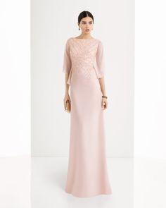Vestido de georgette y pedreria disponible en, marino, rosa y nude.