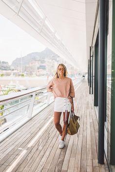 Went to the yacht club in Monaco - pool and then a typical italian afternoon. Klockan springer alltid iväg när man är ute och gör saker,…