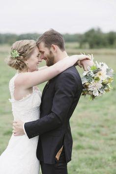 Wedding day photo idea - bride and groom wedding day portrait idea {Photo by Basia}