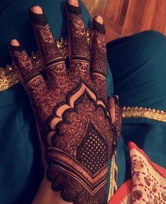 Kashee's Mehndi Designs, Mehndi Design Pictures, Wedding Mehndi Designs, Latest Mehndi Designs, Mehndi Designs For Hands, Henna Tattoo Designs, Mehndi Digain, Pakistani Mehndi, Simple Henna Patterns