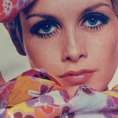 Twiggy is such an inspiration to me. Especially the me that worked years to get any type of a modeling opportunity and finally did. - find more Twiggy and other 1960s fashion model pictures at http://fashioninthe1960s...