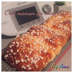 Ma brioche super filante ( thermomix) Thermomix Desserts, Dessert Recipes, Cooking Chef, Cooking Recipes, Cuisine Diverse, Cake & Co, Flan, Hot Dog Buns, Bakery