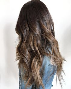 F O R M U L A deets for this luscious, dimensional, brunette balayage ✨💫 - Hair Style Fow Woman Bronde Hair, Brown Hair Balayage, Brown Hair With Highlights, Hair Color Balayage, Subtle Balayage Brunette, Brunette With Lowlights, Ombre Hair Color, Brown Hair Colors, Hair Colour
