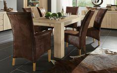Oakwood Esstische sind wie aus einer urwüchsigen Eiche gesägt - mit sägerauer veredelung der Holzoberfläche. In drei schönen Holzfarben und drei Größen. Erweiterbar durch optionale Ansteckplatten.