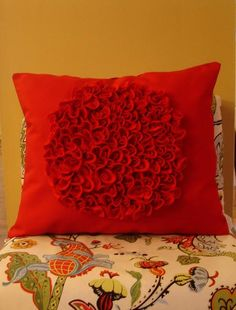 DIY Pillow with Felt Clusters