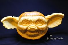 How to sculpt a pumpkin - I used this site as a reference for Halloween this past year!