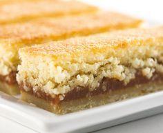 Barritas de coco y dulce de leche - Taringa! Mini Desserts, Healthy Desserts, Delicious Desserts, Dessert Recipes, Oreo, Sweet Bar, Moist Cakes, Sweet Recipes, Love Food