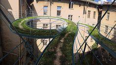 pasarela-verde-colgante-arquitectura-zalewski (1)