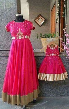 Mom and daughter Matching outfits by Nishras Designer Studio address, lehanga designs, halfsarees, heavy matching blouses pattu pavada kids designer dresses Mommy Daughter Dresses, Mom And Baby Dresses, Mother Daughter Dresses Matching, Mother Daughter Fashion, Mom Daughter, Mother Daughters, Baby Outfits, Kids Outfits, Kids Lehenga