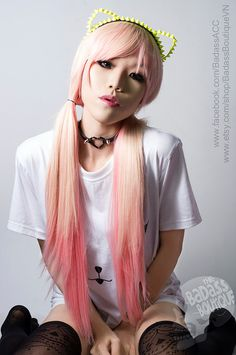 The pink ombre hair, the neon studded kitty ear headband and the heart choker? All kinds of awesome!