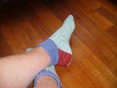sokken breien stap voor stap op een rondbreinaald. door sprokkelen