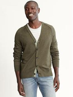 Olive Cardigan Banana Republic    Try to find a light (not so thick) cardigan preferably in this olive color. Hopefully you can find a similar one at the Banana Republic Outlet this weekend!